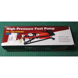 Foot pump with manometer