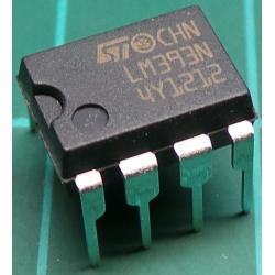 LM393N, 2 x Comparitor